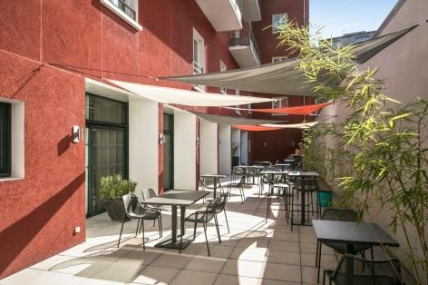 9-HPRT126---RES-ZENITUDE-LORDA---Terrasse---patio---LOURDES.jpg