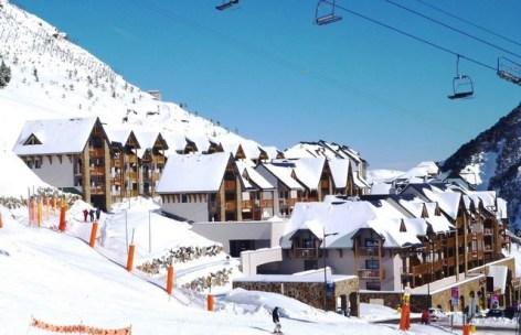 0-HPRT20---Residence--Mer-et-Golf-Tourmalet---ext-hiver.jpg