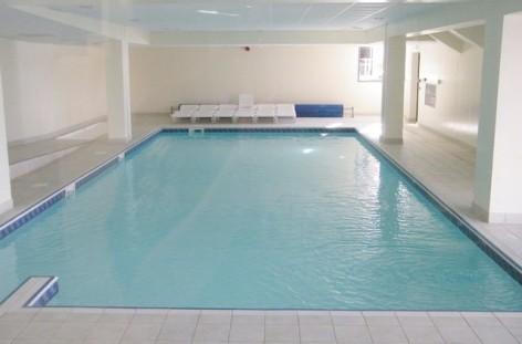 5-HPRT20---Residence--Mer-et-Golf-Tourmalet---piscine.jpg
