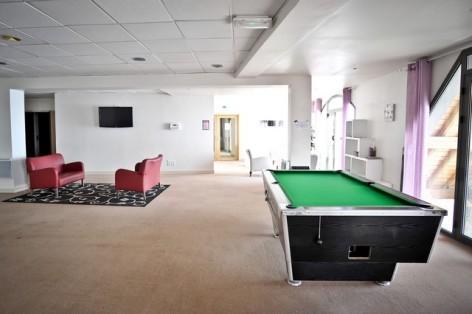7-HPRT20---Residence--Mer-et-Golf-Tourmalet---salle-de-jeux.jpg