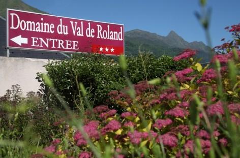 11-HPRT96---Domaine-du-Val-de-Roland---ete-entree.jpg